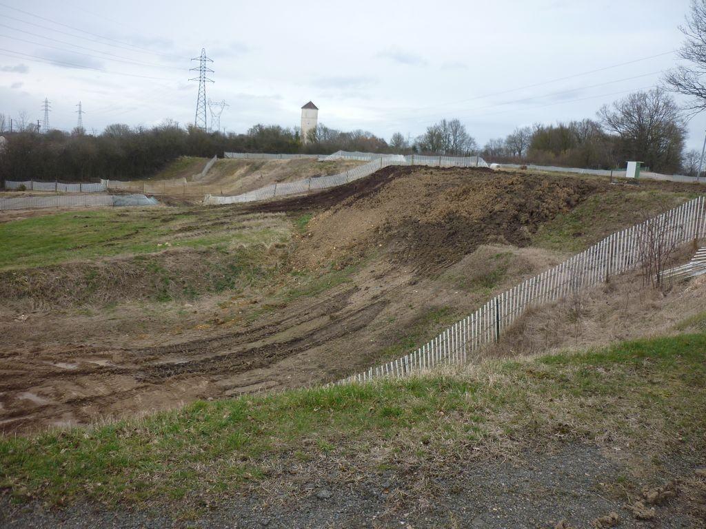 Travaux terrain de motocross de Forges